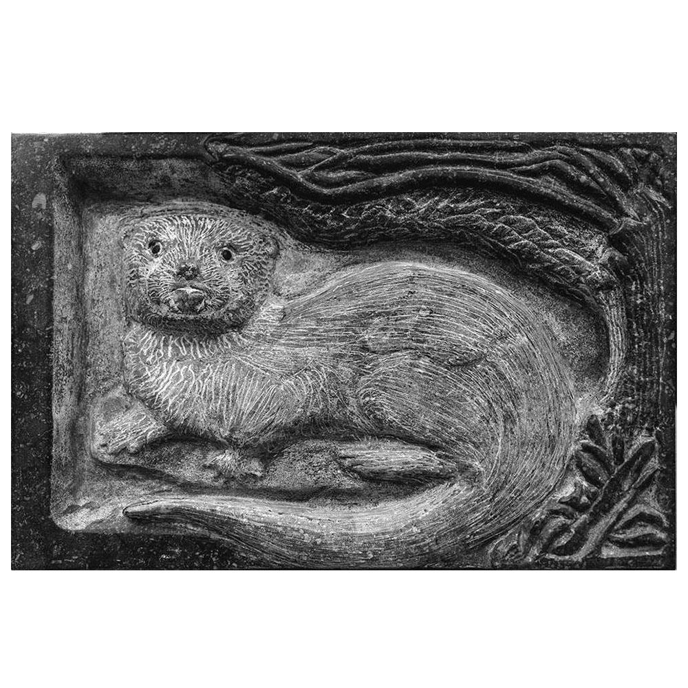 Uit steen gehouden Otter